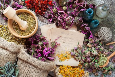 holistic-aromatherapy-herbs-400x267